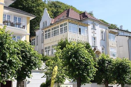 Villa Burg Siegfried - 1-Zimmer Ferienwohnung - Sellin