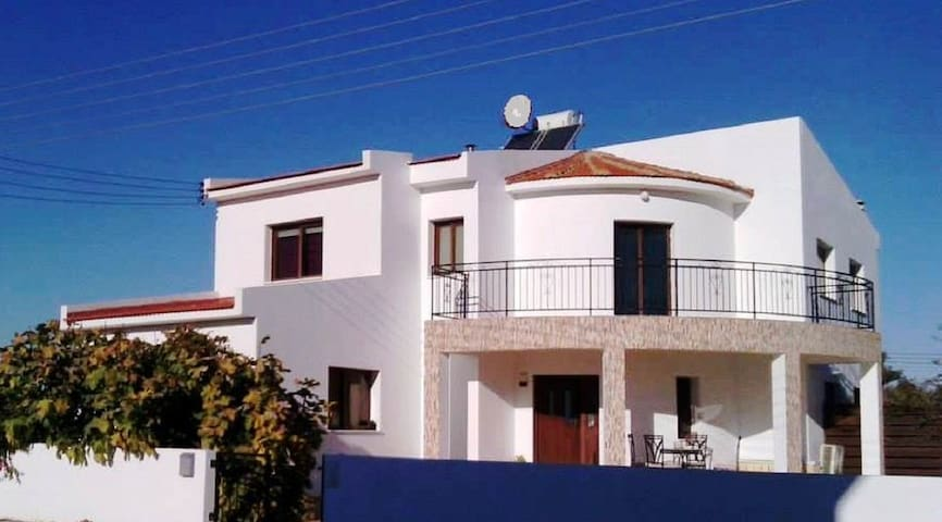 Fig Tree Villa with Private Pool - Kiti - Villa