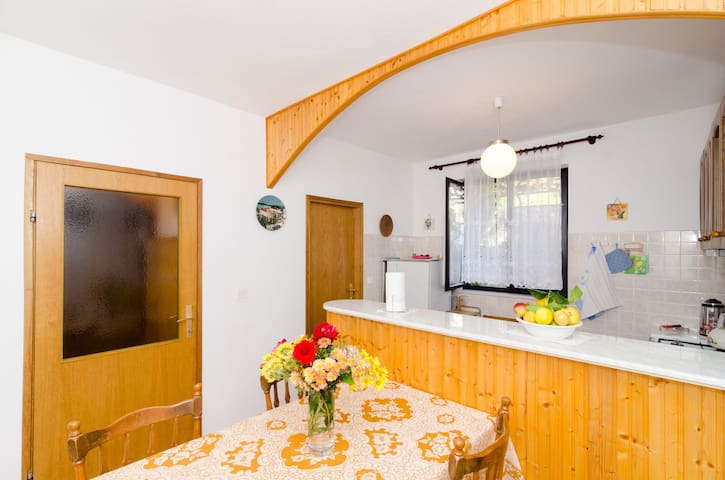 Riverside - Three-Bedroom apartment with terrace - Mokošica - Appartamento