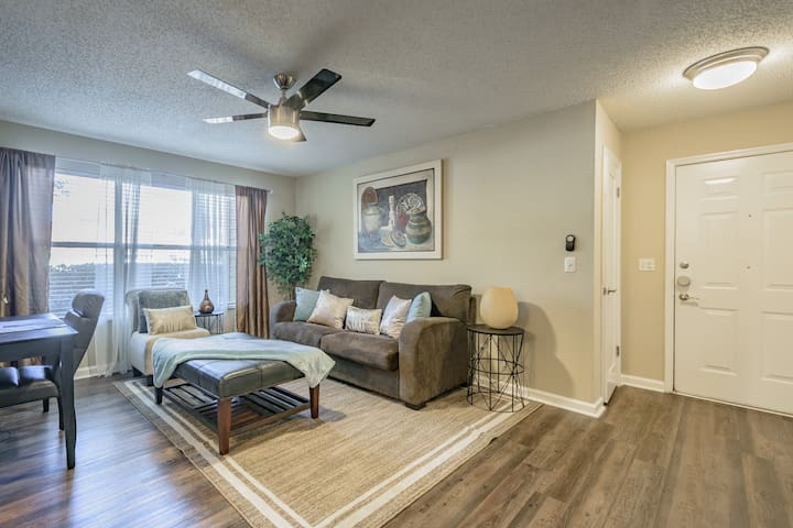 Clearwater*Tampa*Airport*WiFI*King Bed*Pool*Gym*4K