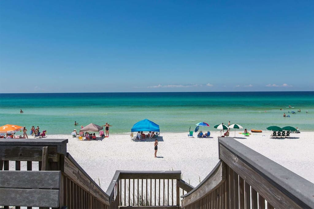 Just Steps to the Sugar Sand Beaches of the Gulf of Mexico from Madison't Retreat!