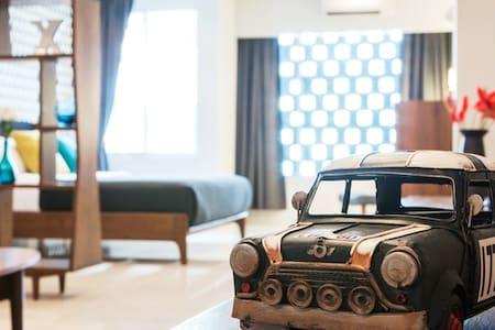 Luxury Modern Retro Villa, Jacuzzi Chiang Mai - Чиангмай - Вилла
