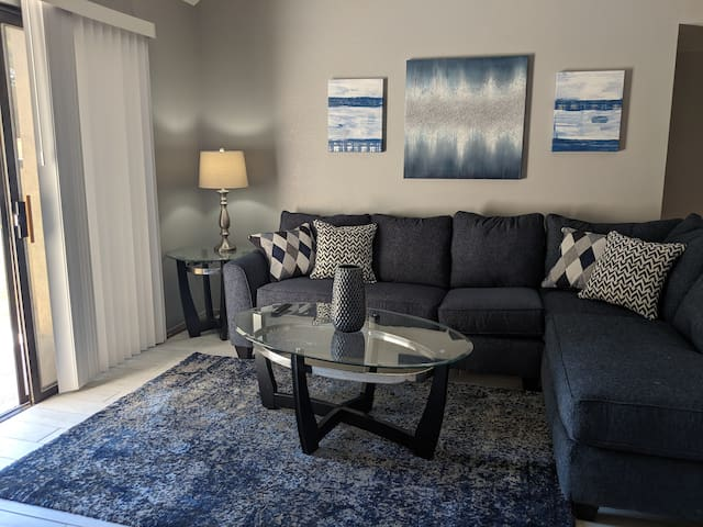 Fully Furnished 2 Bedroom 1 Bath Condo