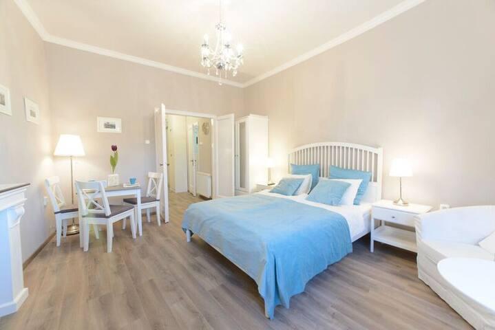 BPR - Vintage Panoramic Apartment