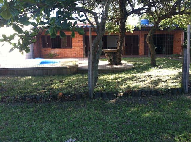 Casa com Ar condicionado em Noiva do Mar RS - XANGRI-LÁ - Casa