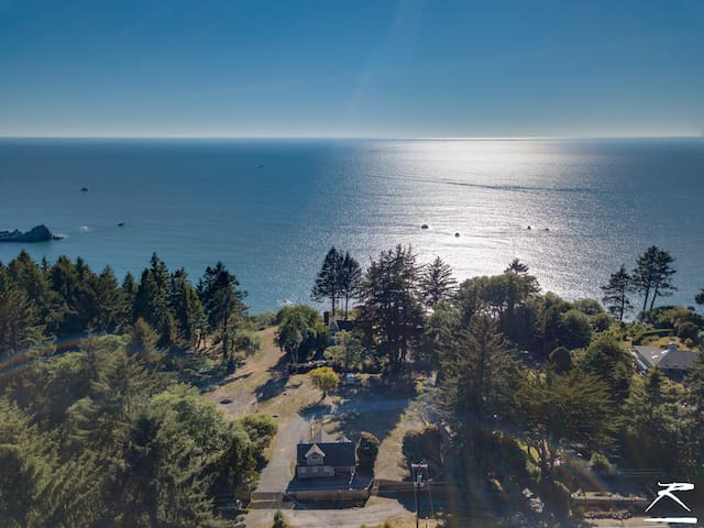 Ocean views and beautiful bluff to enjoy!