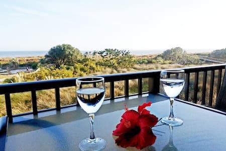 Direct Oceanfront Villa •Remodeled •Luxury Bedding