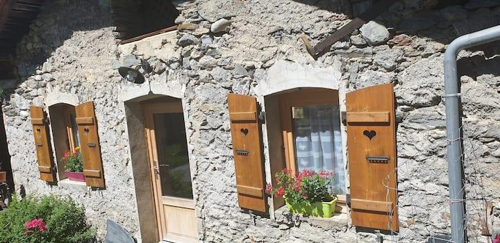 Charmante maison au cœur du village de Saint Bon