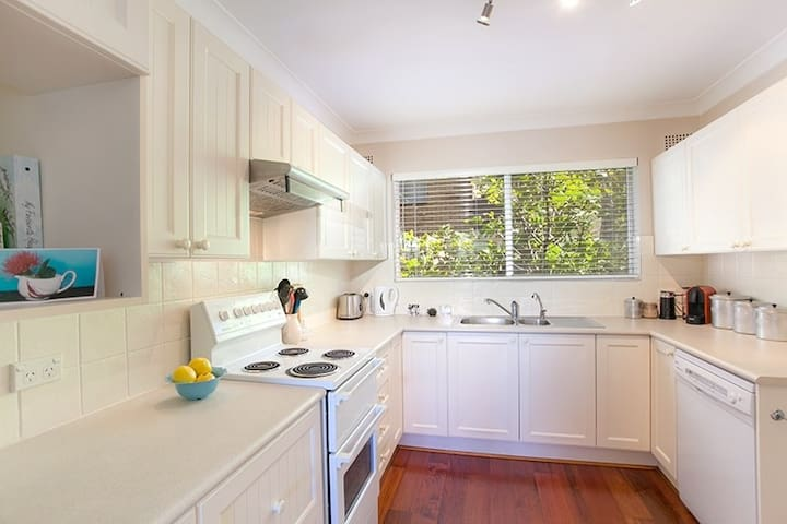 sunny apartment in Dee Why - Dee Why - Flat