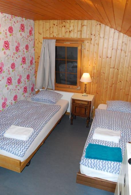 Romantisches Zweibettzimmer