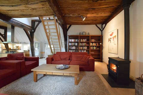 Luxurious holiday home in monumental farmhouse near nature reserves - Zuna