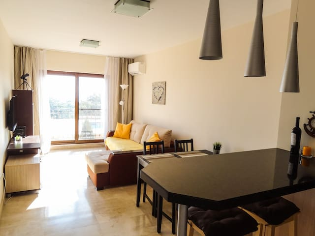 Квартира с 2 спальнями и прекрасным видом на море