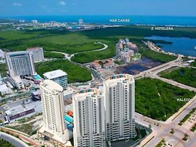 Enjoy best location! Shopping mall at ground level, a few minutes away from the beach zone! (hotel area)