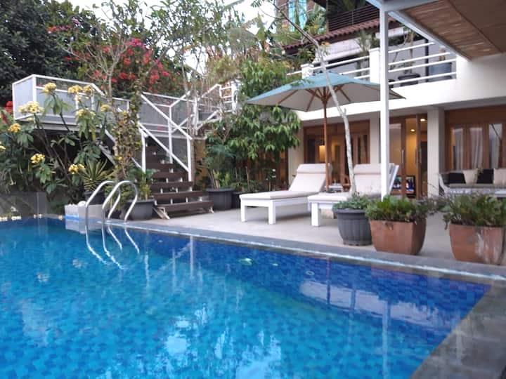 DAGO MIJN HUIS Getaway Villa w/ Pool and BBQ