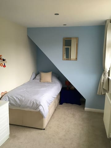 Comfortable fresh single room - Crediton - Casa