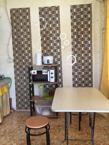 Alcaraz studio unit- unit 3 non aircon