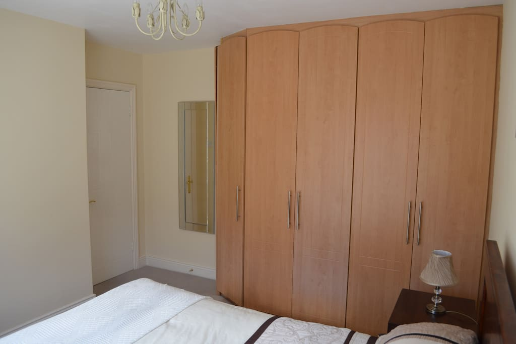 Comfortable Double Room In Large Home Houses For Rent In Dublin Dublin Ireland