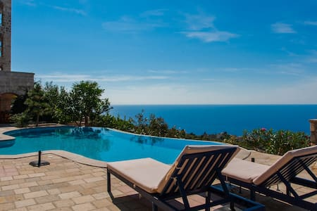 Villa Just for Two with shared pool & sea view - Kaluđerac