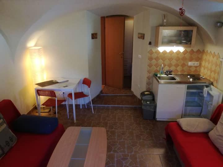 Red Apartment - Snug burrow