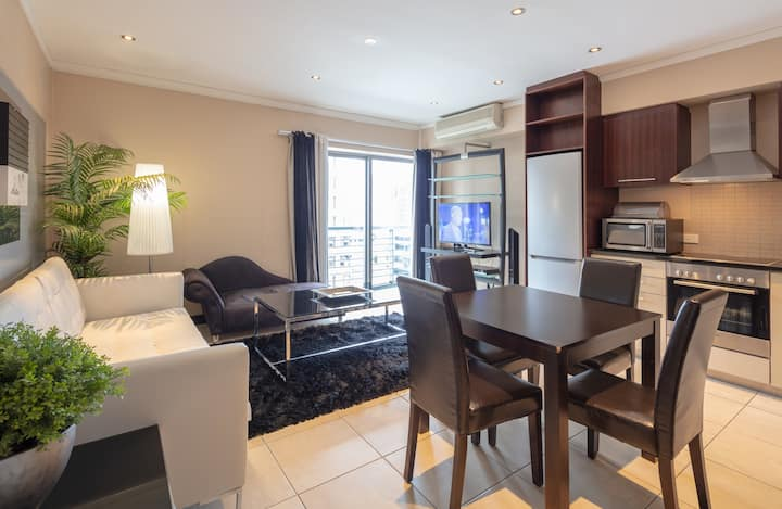 Luxurious City Apartment with Self Check In & Wifi