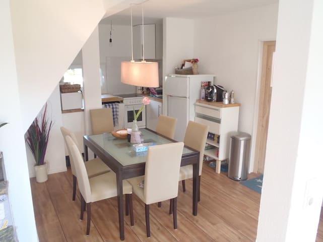 Familienfreundliches Ferienhaus in Heidkate/Ostsee - Heidkate - Haus