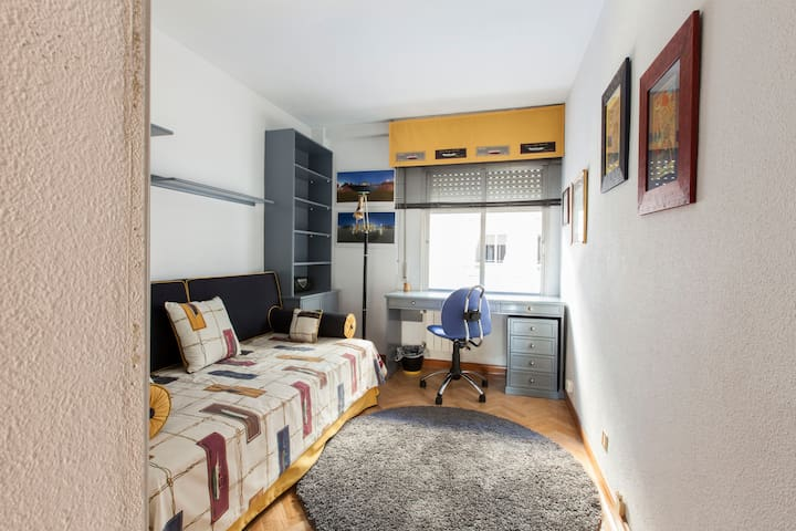 View bedroom from door.