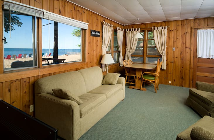 Fishery Pointe Beach Cottages #7 - Escanaba - Cabane
