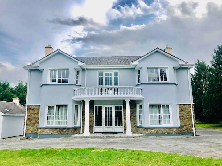 Magnificent newly refurbished 6 bedroom house