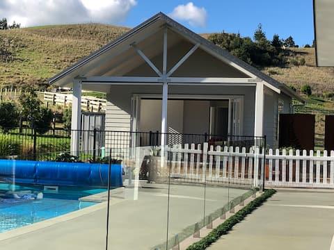 The Sanctuary, Pool House - couples retreat