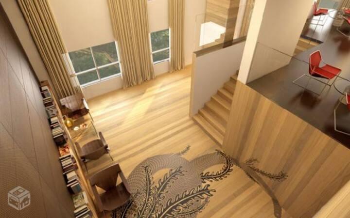 Loft ensolarado e ventilado com vista panorâmica