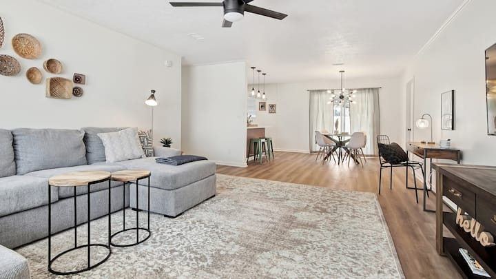 3/2 in Panama City, clean & stylish great location