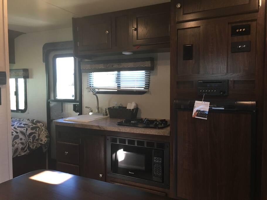 Bunkhouse 2 rv camp trailer for moab camping fun for Moab salle de bain