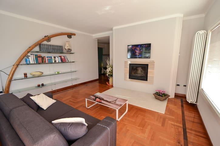 LE GEMME DEL LAGO-villa - Roè Volciano - Rumah
