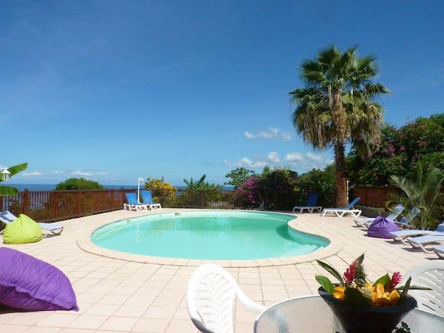 STUDIO  Vue et Accès Mer, Piscine Guadeloupe 2p