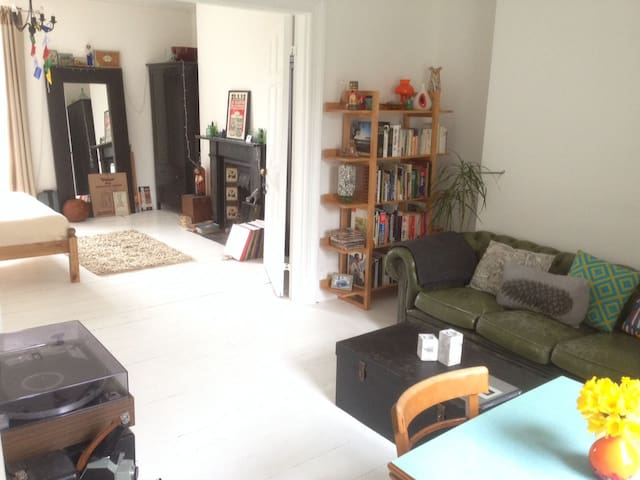Central light & quirky one bed flat - Exeter - Apartamento