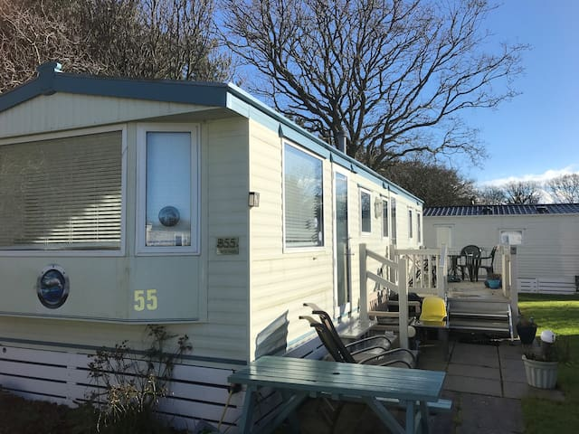 New Forest area 3 Bed Mobile Home B55:great value!