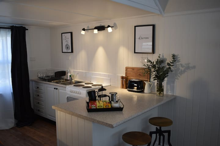 Kitchenette containing everything you need should you wish to cook!