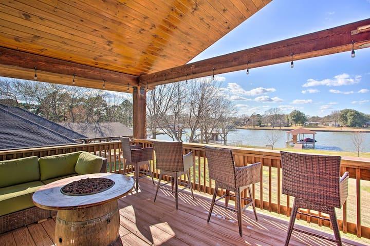 Pet-Friendly Cedar Creek LK Home w/Dock + Hot Tub!