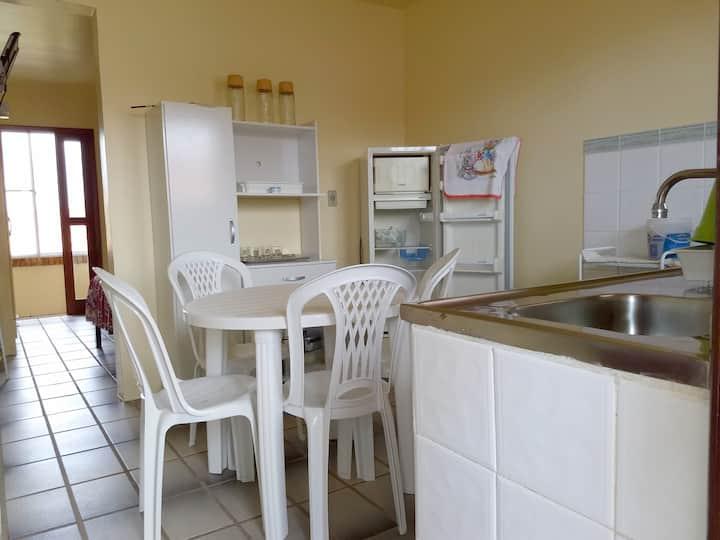 Apartamento perto da Praia em Condomínio Fechado.