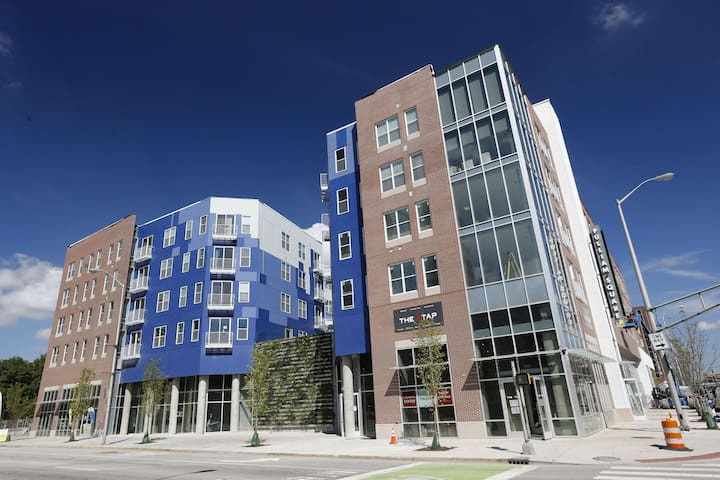 Nearly PERFECT Walk Score - Luxurious New 1BR Apt - Indianapolis - Leilighet