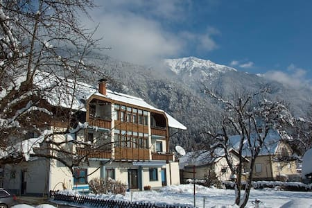 Holiday flat in the middle of the Alps (flat #6) - Presseggersee - Hotellipalvelut tarjoava huoneisto