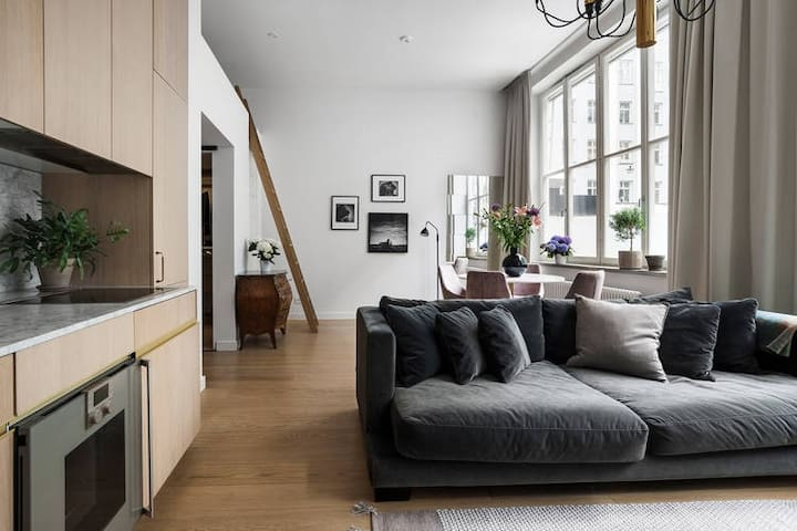 Beautiful apartment on Nybrogatan/Östermalmstorg