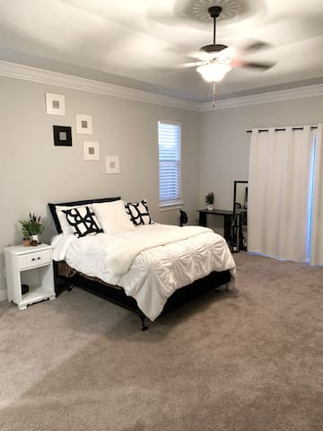 Beautiful private master bedroom with en-suit!
