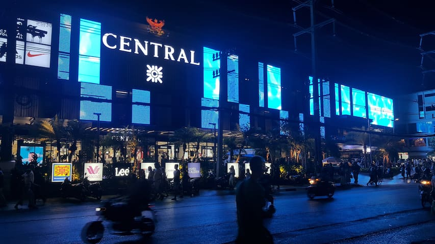 CENTRAL & JUNGCEYLON SHOPPING MALL 300 METERS