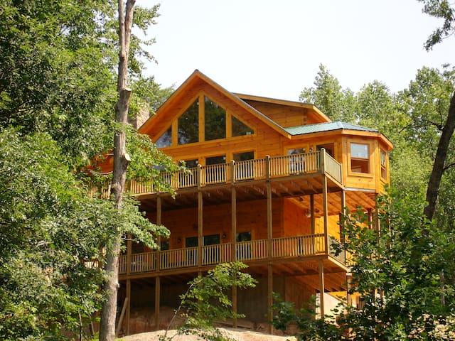 Resort Dirty Dancing Cabin Overlooks Waterfalls