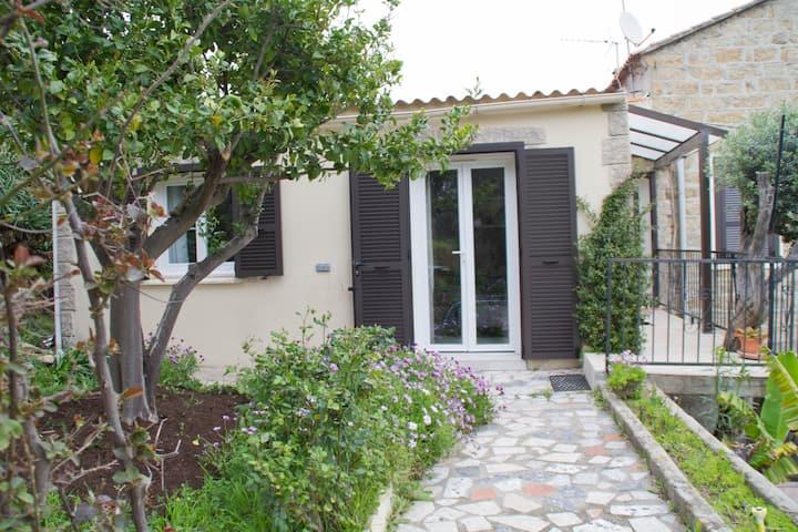 Maison à Porto Pollo avec jardin Privatif