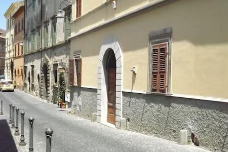 Casa Velcha