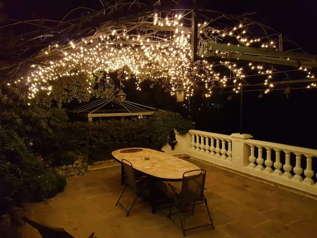 Au gré des saisons : appartement cosy et extérieur