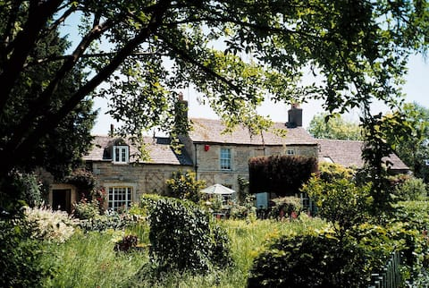 Stylish rural retreat Northborough. PE6 9BN