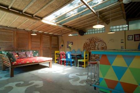 Seminyak Beach House - Denpasar - Rumah